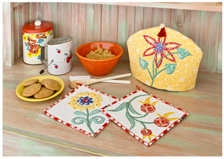 Tea cozy and pot holders