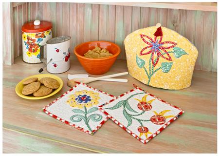 Tea cozy and pot holders
