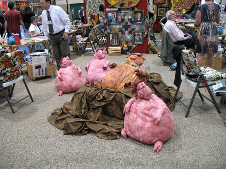 Fabri-Quilt pigs, chillin'